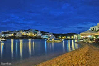 about kythnos porto klaras the Greek island by night