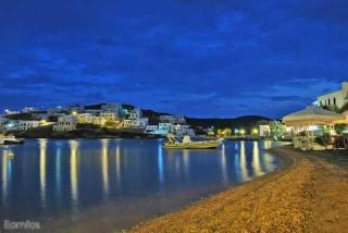 about kythnos porto klaras the Greek island by night