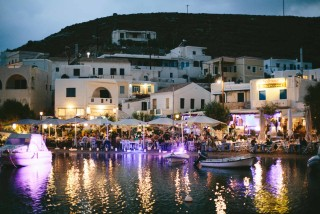 about kythnos porto klaras local seafood restaurant by night that offer fresh fish