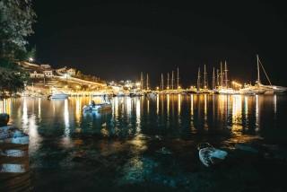 about kythnos porto klaras Loutra village by night