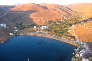 beaches porto klaras apokrousi on Kythnos island