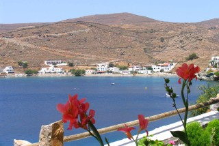 beaches porto klaras loutra beach on Kythnos Island