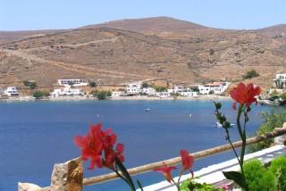 beaches porto klaras loutra beach on Kythnos Island