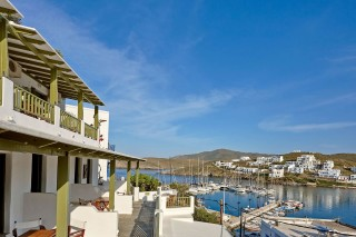 family suites porto klaras balconies with view of Kythnos and of the Aegean Sea