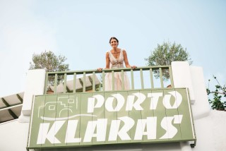 weddings porto klaras bride photoshooting in kythnos apartments