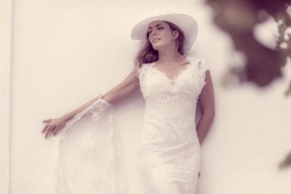 weddings porto klaras bride with dress and hat in kythnos