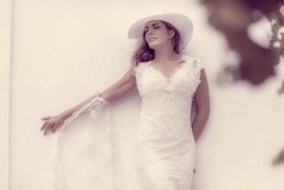 weddings porto klaras bride with dress and hat in kythnos