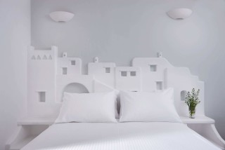 VIP studios porto klaras elegant bedroom with amazing Cycladic becoration