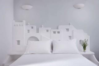 VIP studios porto klaras elegant bedroom with amazing Cycladic becoration
