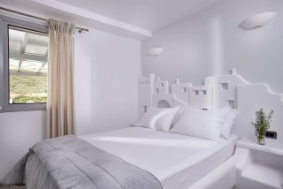 VIP studios porto klaras bedroom with romantic view of Kythnos