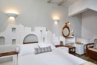 12 family suites kythnos klaras_