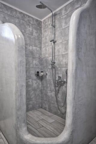 28 kithnos bathroom porto-klaras