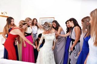 weddings porto klaras bride is getting prepared for her wedding