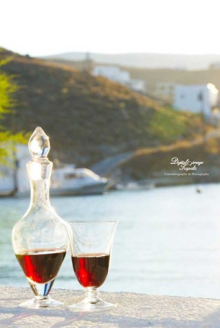 weddings porto klaras wine for the bride and groom by the sea